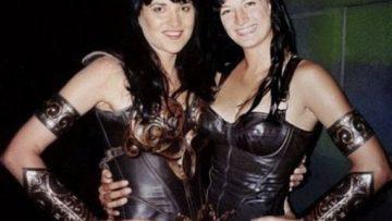 Lucy Lawless y la gran Zoe Bell durante el rodaje de la mítica serie Xena